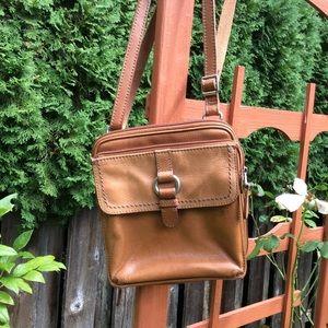 Fossil shoulder bag tan leather zip around